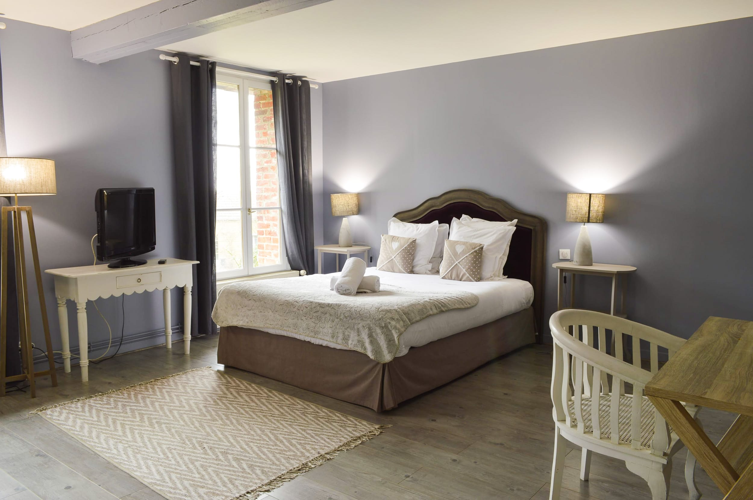 chambre coloniale weekend amoureux 1 les granges haillancourt. Black Bedroom Furniture Sets. Home Design Ideas