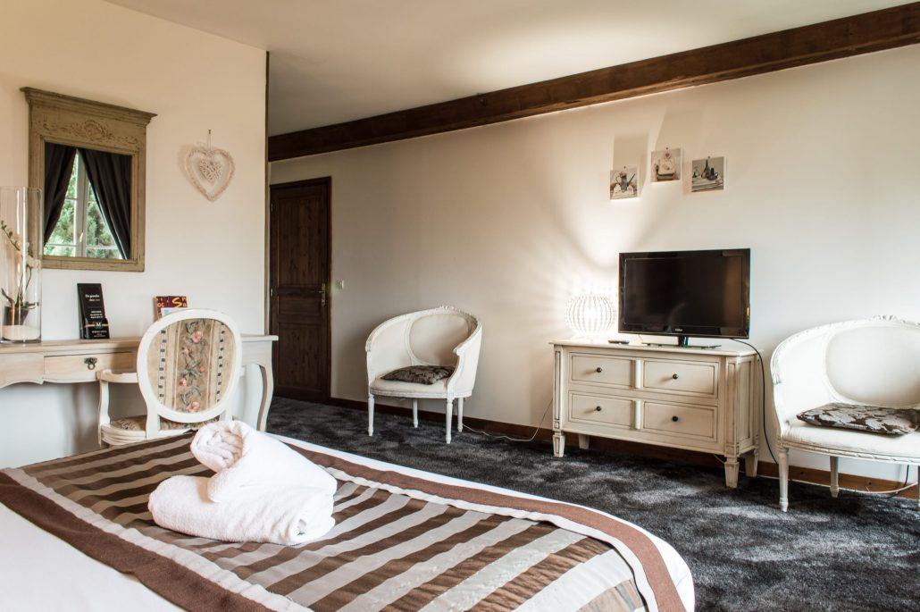Les granges haillancourt chambre avec jacuzzi privatif for Chambre noire