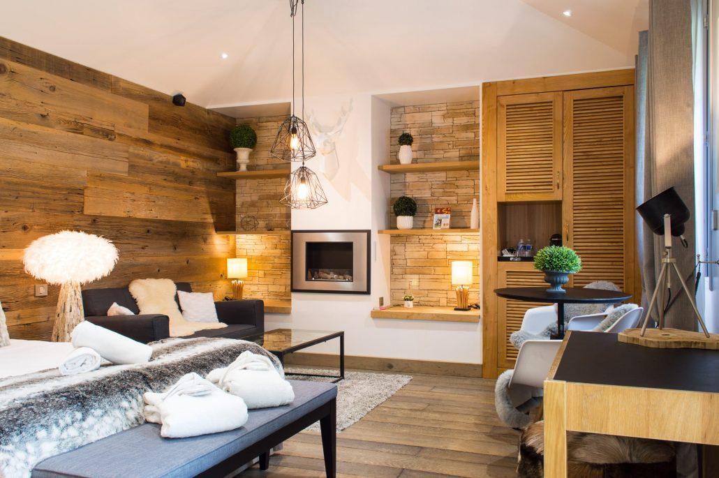 suite avec jacuzzi priv les granges haillancourt suite meg ve. Black Bedroom Furniture Sets. Home Design Ideas